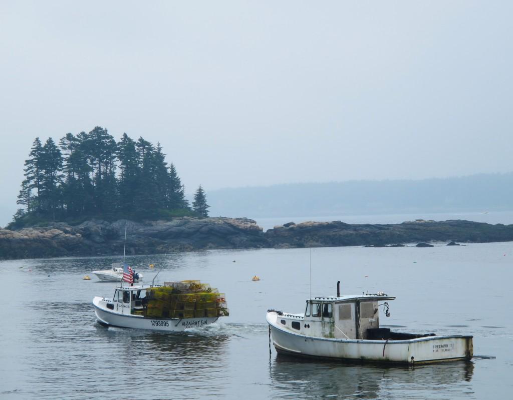Chiếc tàu mang bẫy ra biển, Maine
