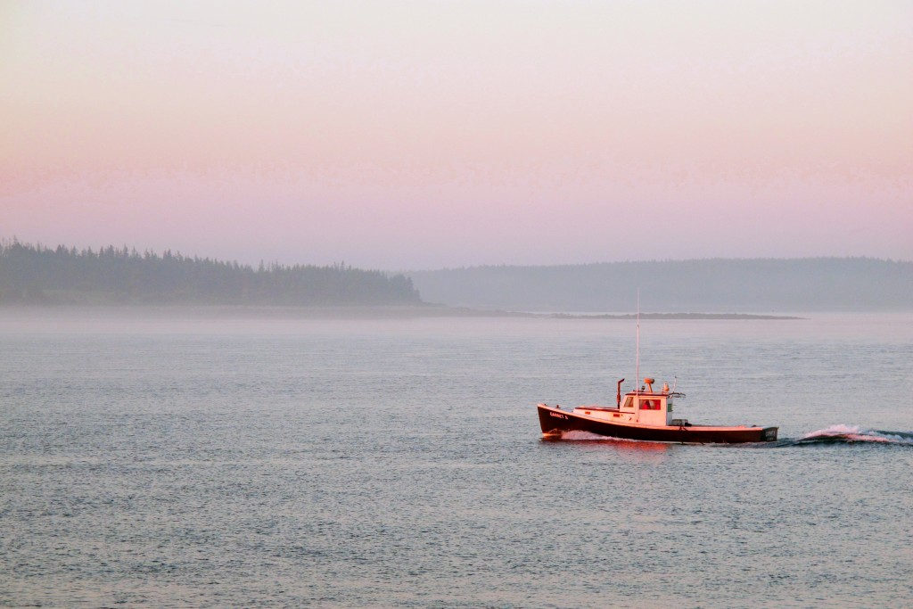 Chiếc tàu ra đi trong ánh bình minh, Maine