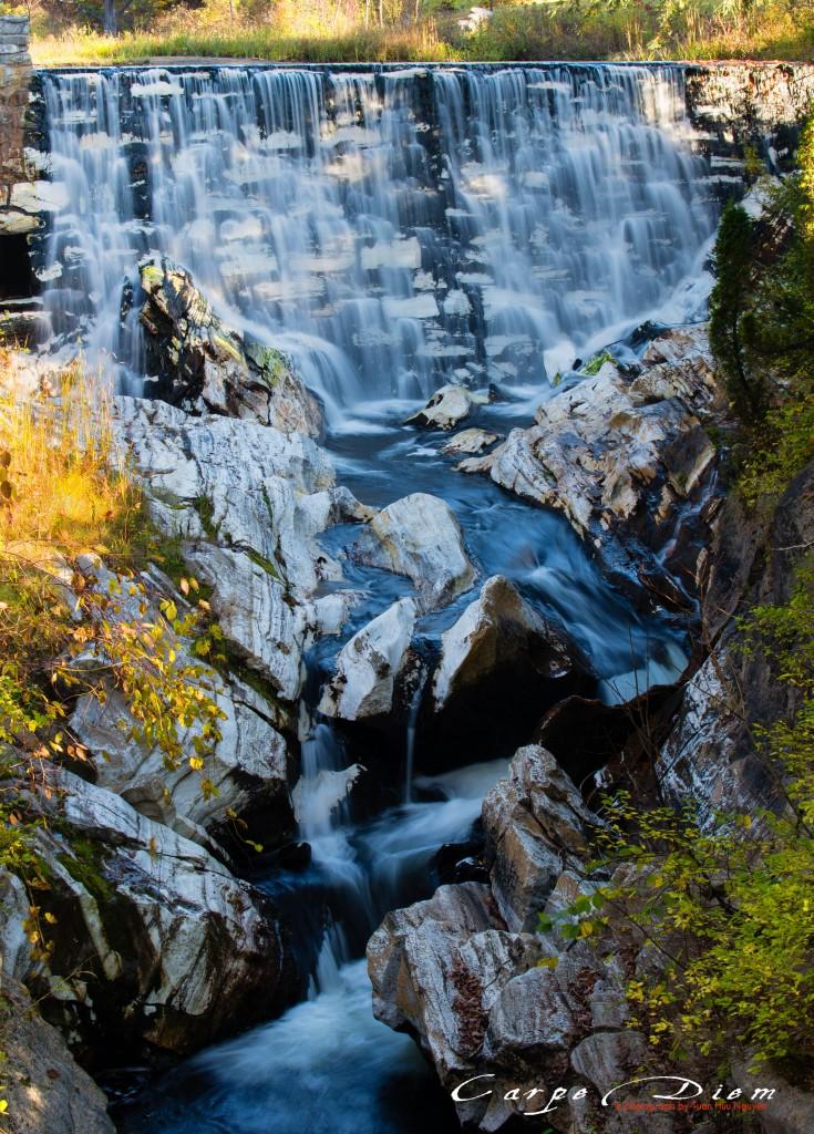 Dòng Thu, Natural Bridge State Park, MA