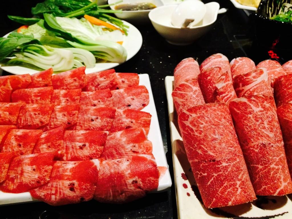 Lẩu ở quán Tokyo Japanese Steak House and Shabu