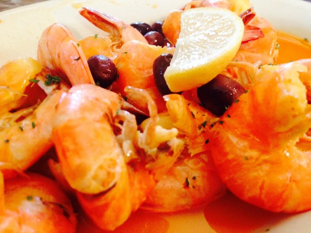 Shrimp Mosobique ở Caravela Family Restaurant