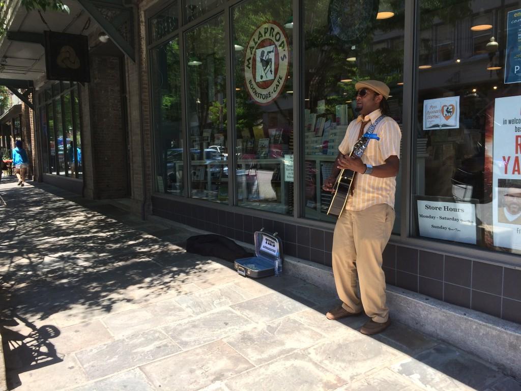 Những người hát rong, Asheville